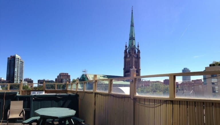 Terrasse du Hostelling International Toronto