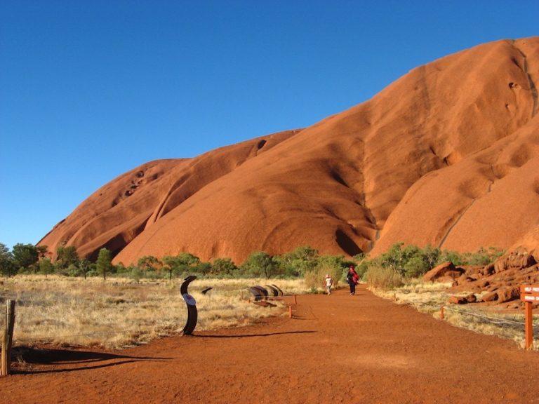 Uluru dans le Outback australien