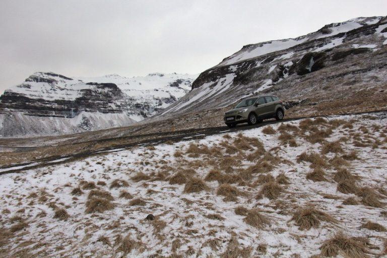 Voiture en Islande en avril