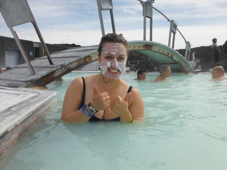 Masque de silice au Blue Lagoon en Islande