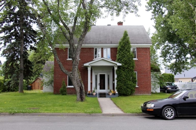Maison du quartier Isle-Maligne à Alma