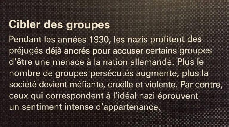Affiche au Musée canadien des droits de la personne