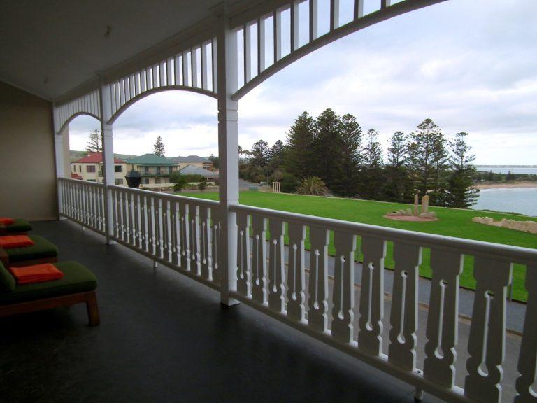 Terrasse du Port Elliot YHA