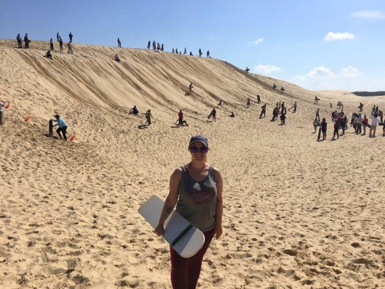 Moi en sandboarding à Port Stephens, Australie