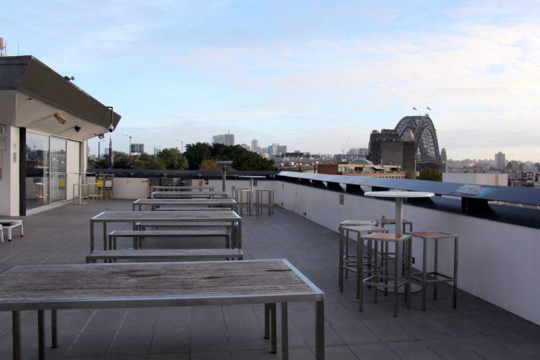 La terrasse sur le toit du Sydney Harbour YHA