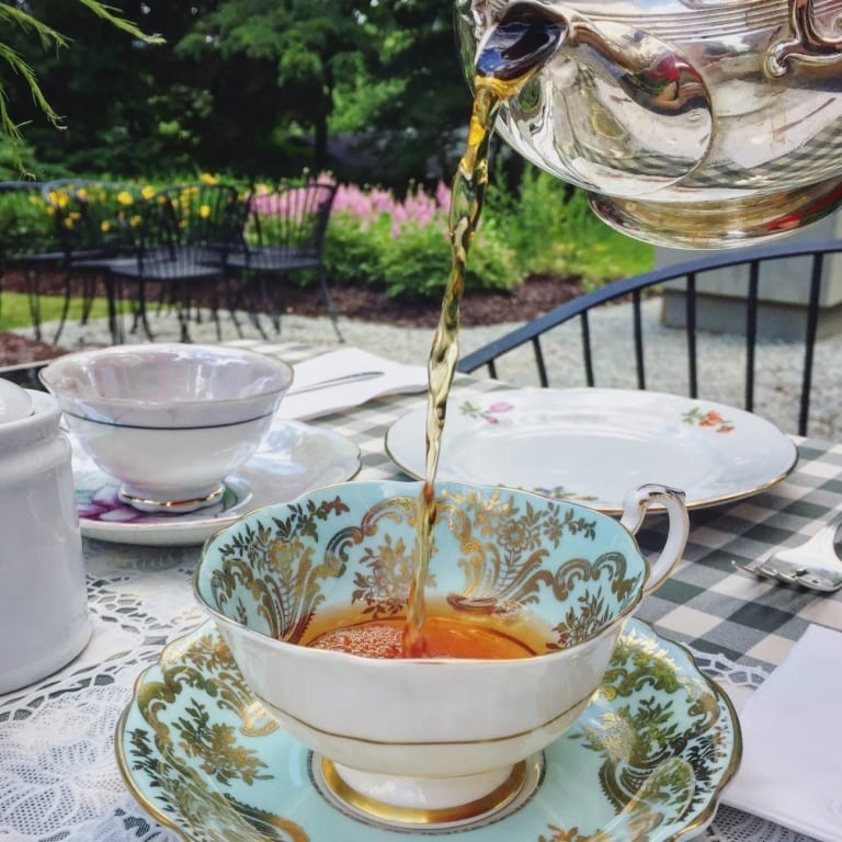 Prendre le thé à l'anglaise à Uplands, près de Sherbrooke