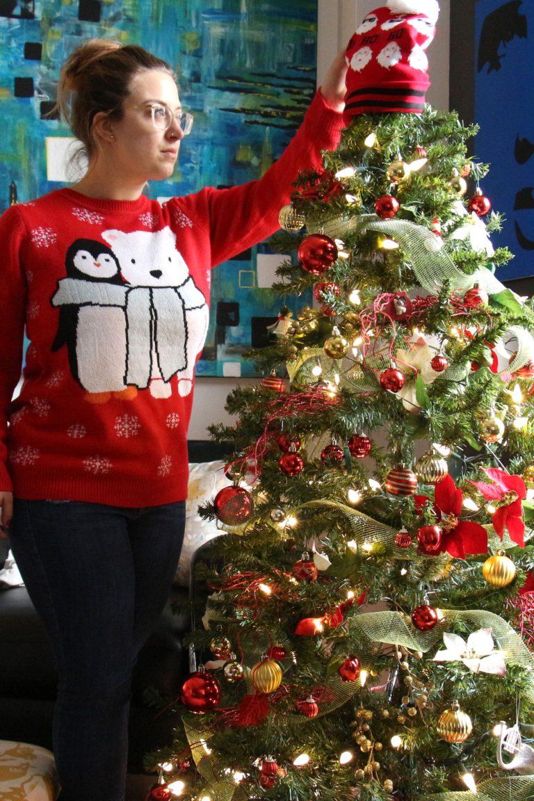 Moi qui décore mon sapin de Noël