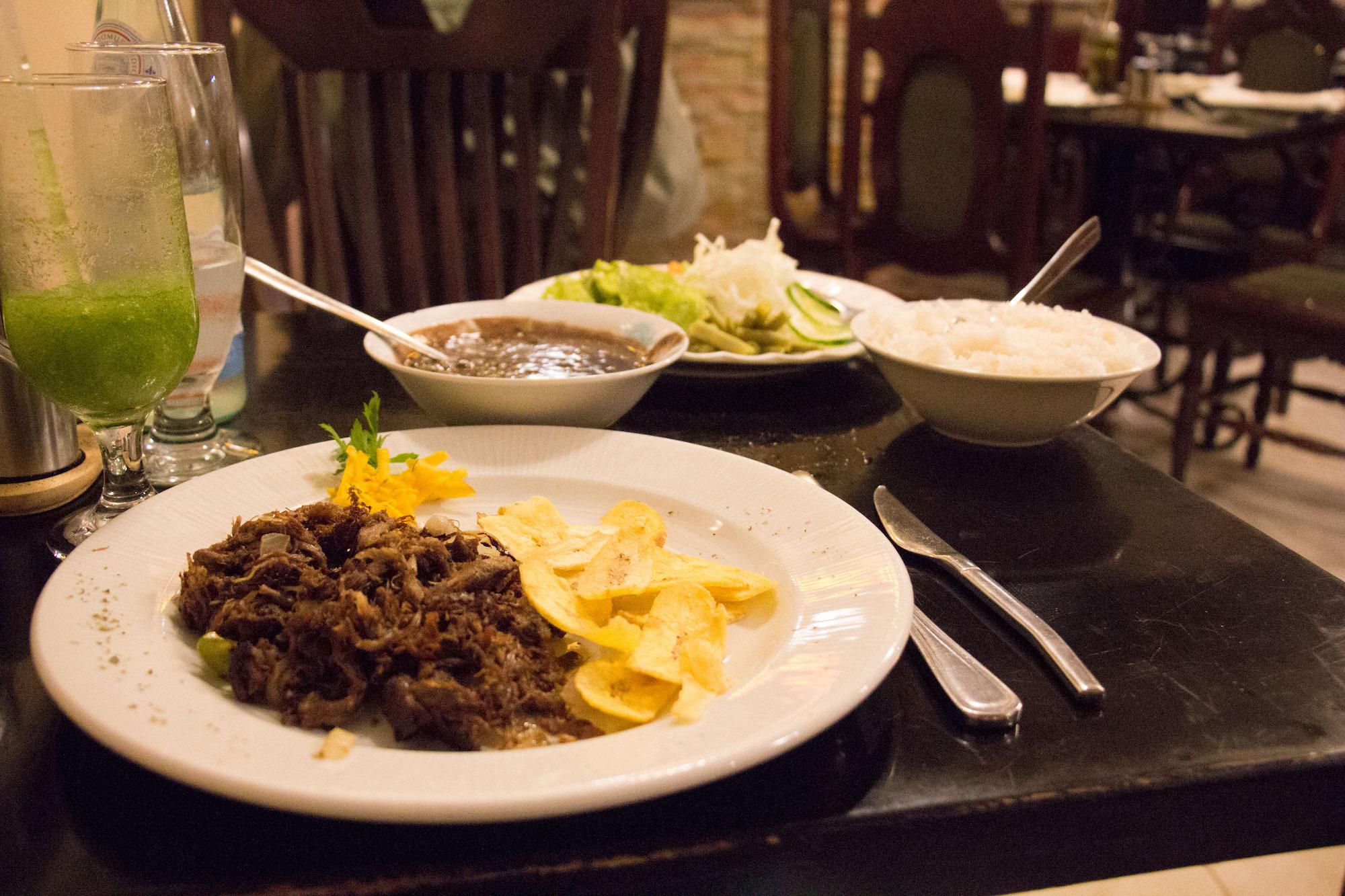 Repas au Dona Eutimia à La Havane
