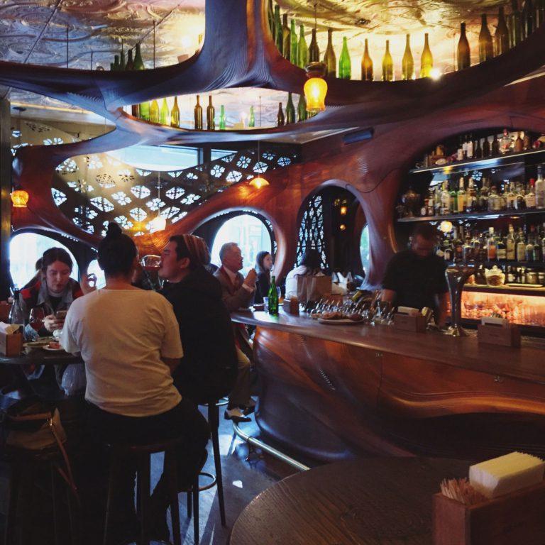 Intérieur du Bar Raval
