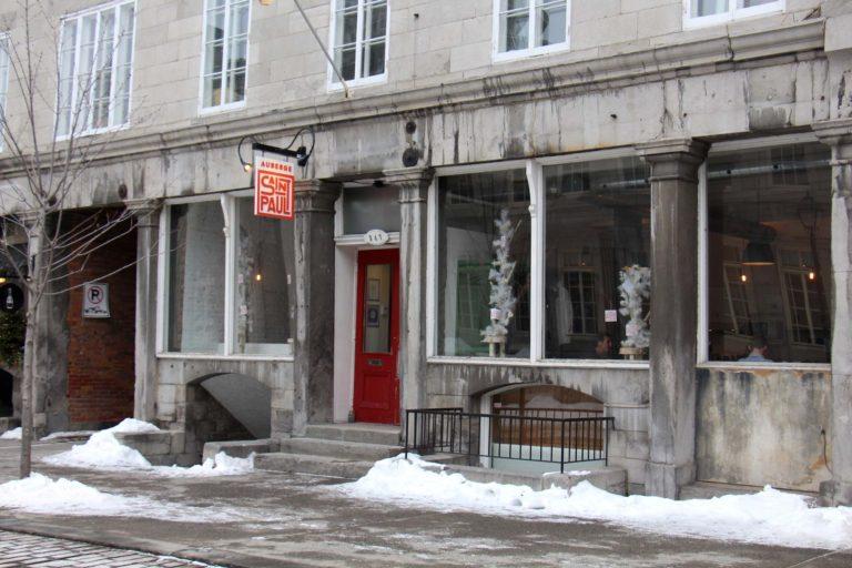 Auberge Saint-Paul extérieur hébergement abordable montréal