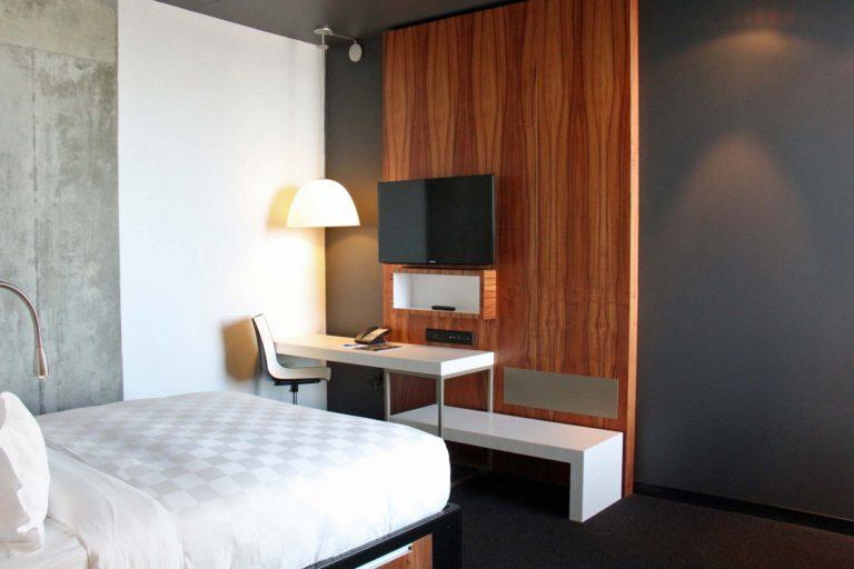 Chambre à un lit Hôtel Alt Montréal hébergement abordable montréal