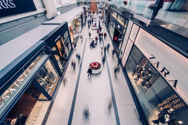 Magasiner dans un centre d'achat