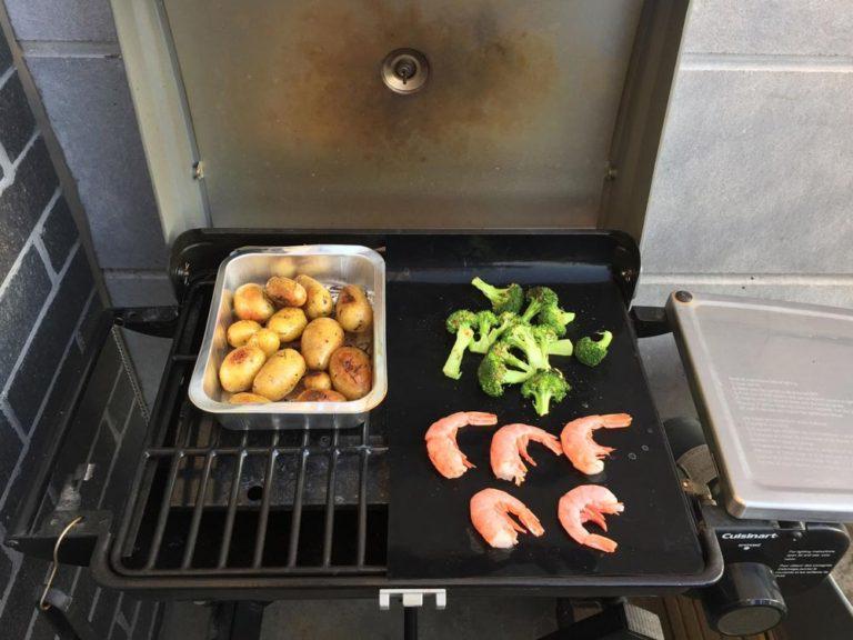 Nourriture sur le grill