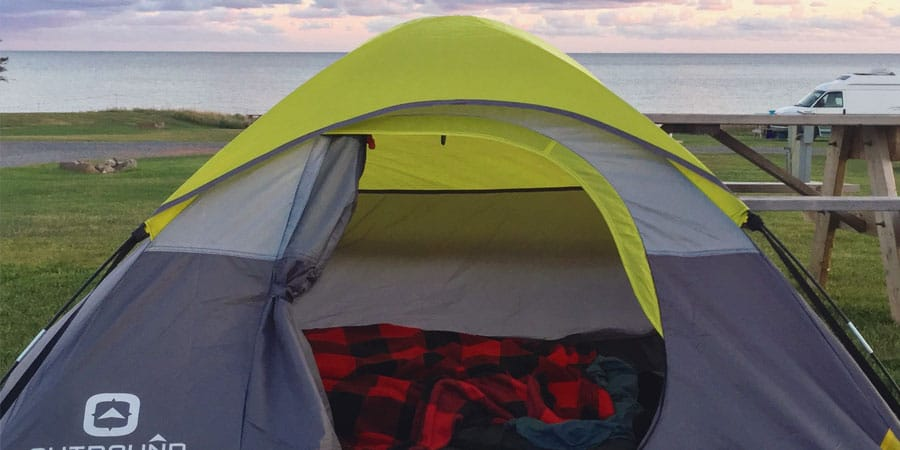 Image à la une : kit de camping