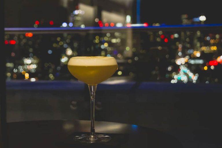 Cocktail au Falcon Skybar de l'Hotel X, Toronto
