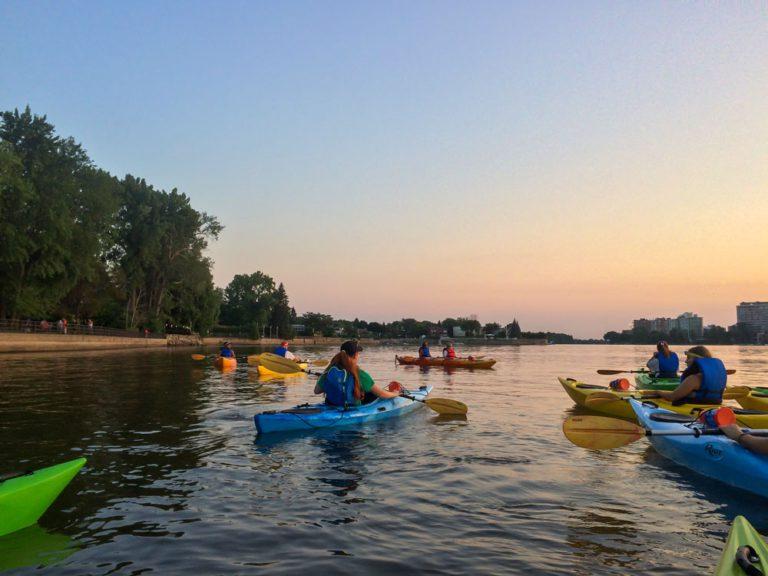 Kayak au coucher du soleil au Parcours Gouin